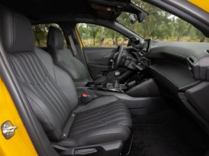Peugeot 208 2019 asientos de cuero
