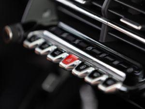 Peugeot 208 2019 botones piano aluminio