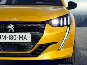 Peugeot 208 2019 colmillos leon