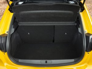 Peugeot 208 2019 espacio maletero