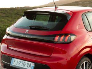 Peugeot 208 2019 luna trasera