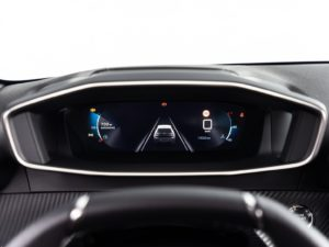 Peugeot 208 2019 pantalla vista ayudas a la conduccion