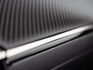 Peugeot 208 2019 salpicadero acabado carbono