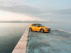 Peugeot 208 2020 amarillo en estados unidos