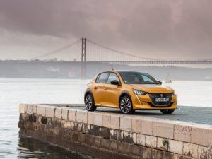 Peugeot 208 2020 amarillo fondo de pantalla puente
