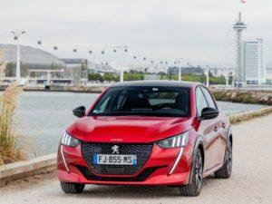 Peugeot 208 2020 gt line color rojo frontal