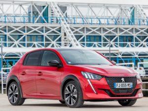 Peugeot 208 2020 rojo