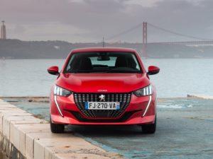 Peugeot 208 2020 rojo delantera