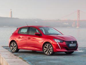 Peugeot 208 2020 rojo gt line latera
