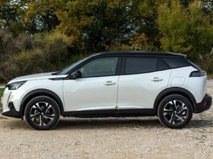 Peugeot 2008 2020 vista lateral