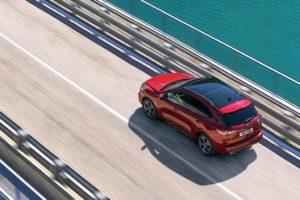 Ford Kuga 2020 velocidad carretera puente lago