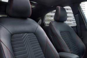 Ford Puma 2020 asientos delanteros