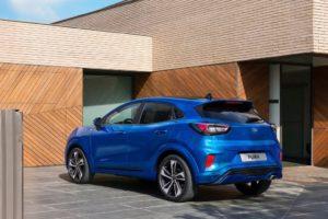 Ford Puma 2020 azul trasera lateral