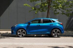 Ford Puma 2020 de lado color azul