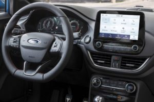 Ford Puma 2020 volante y pantalla central