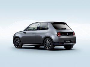 Honda e 2020 de color gris y negro