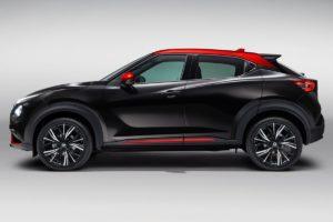 Nissan Juke 2020 rojo y negro lateral