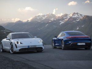Porsche-Taycan-blanco-y-azul-4s
