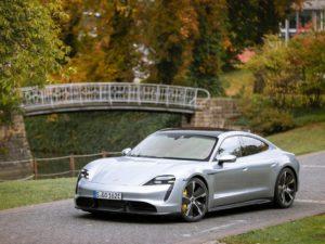 Porsche-Taycan-color-plata-silver