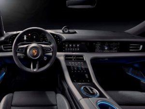Porsche-Taycan-iluminacion-interior