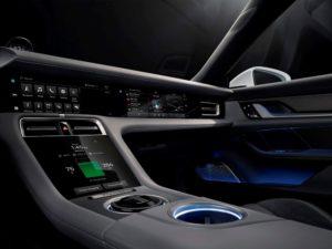 Porsche-Taycan-pantalla-copiloto