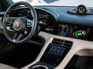 Porsche-Taycan-pantallas-interiores-salpicadero
