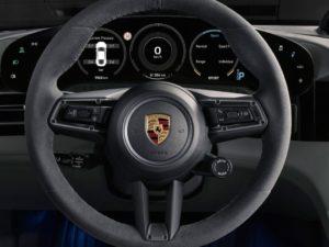 Porsche-Taycan-volante-de-piel