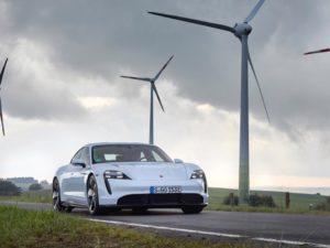 Porsche-Taycan-wallpaper-molinos-de-viento