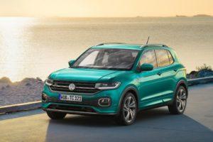 Volkswagen T-Cross 2019 al lado del mar