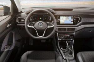 Volkswagen T-Cross 2019 volante y salpicadero