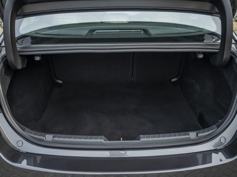 Maletero Mazda 3 sedan 2019