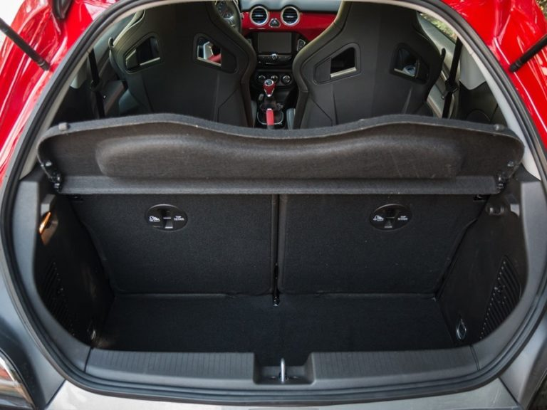 Maletero Opel Adam 2013