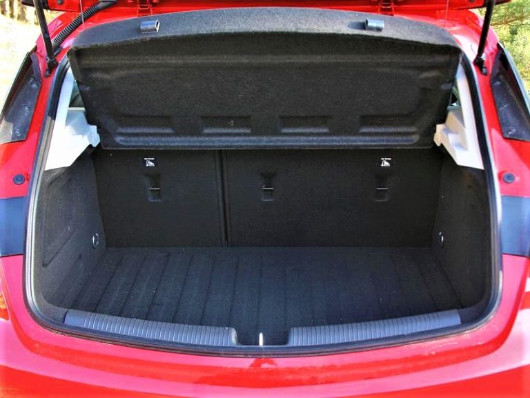 Maletero Opel Astra 2020