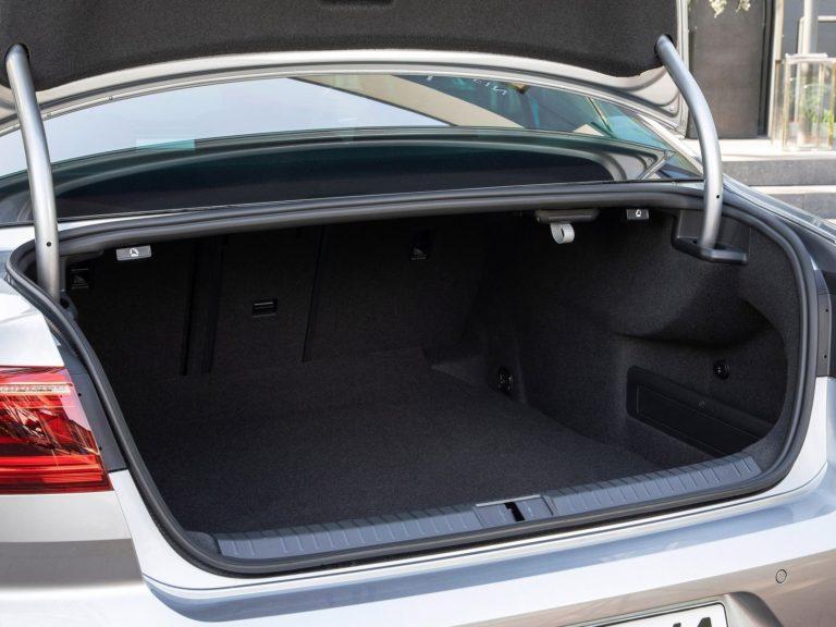 Maletero Volkswagen Passat 2020
