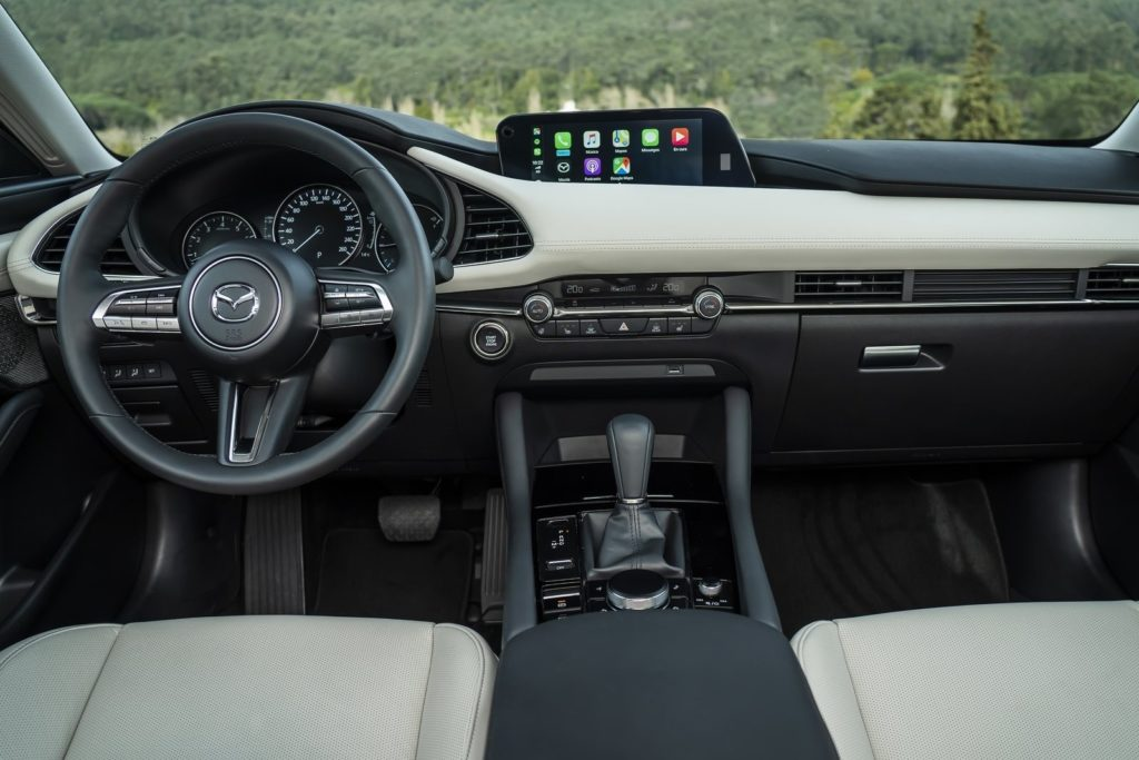 Interior Mazda 3 sedan 2019
