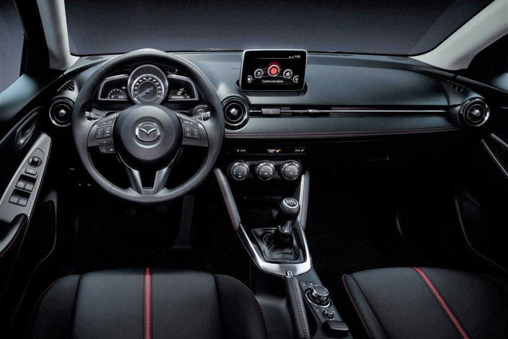 Interior Mazda2 2015