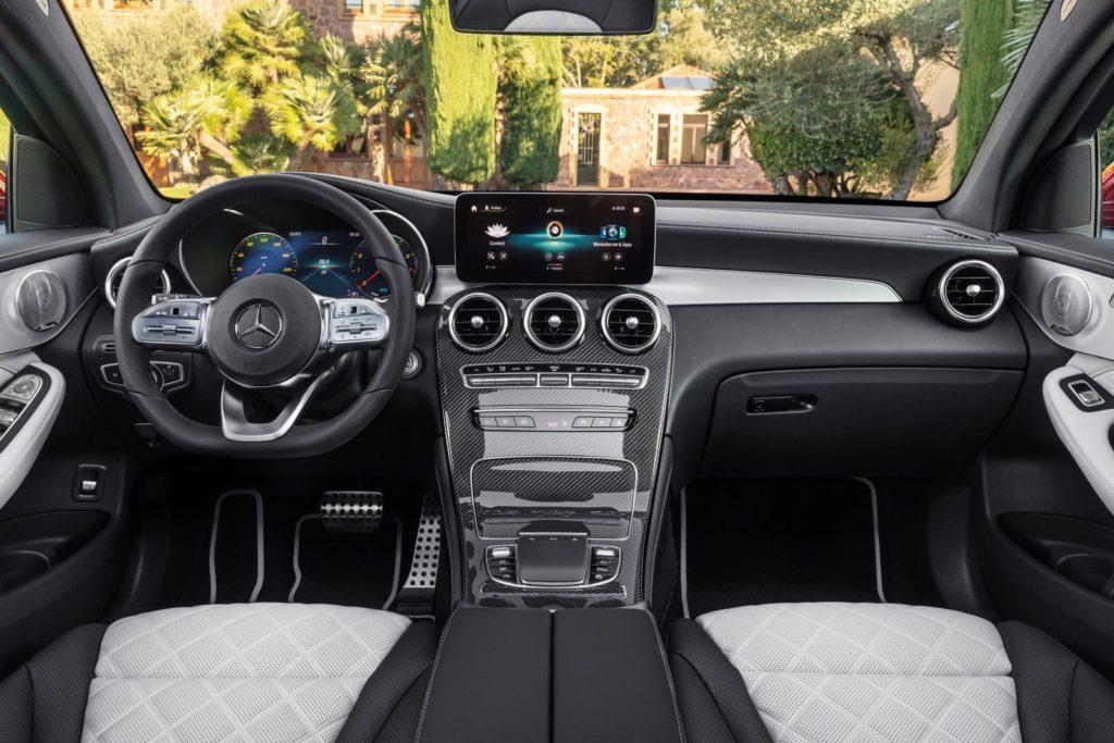 Interior Mercedes GLC coupe 2020