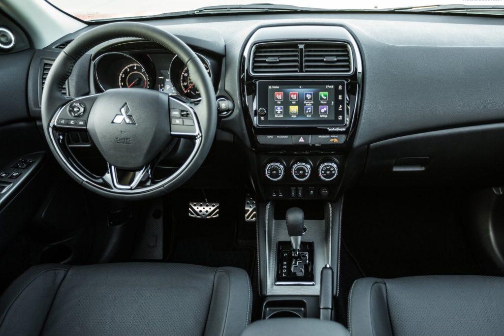 Interior Mitsubishi Outlander 2018
