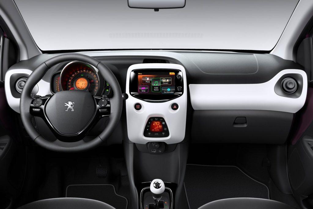Interior Peugeot 108 2015