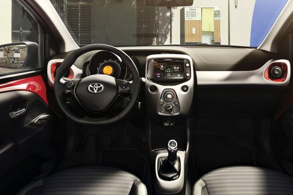 Interior Toyota Aygo 2018