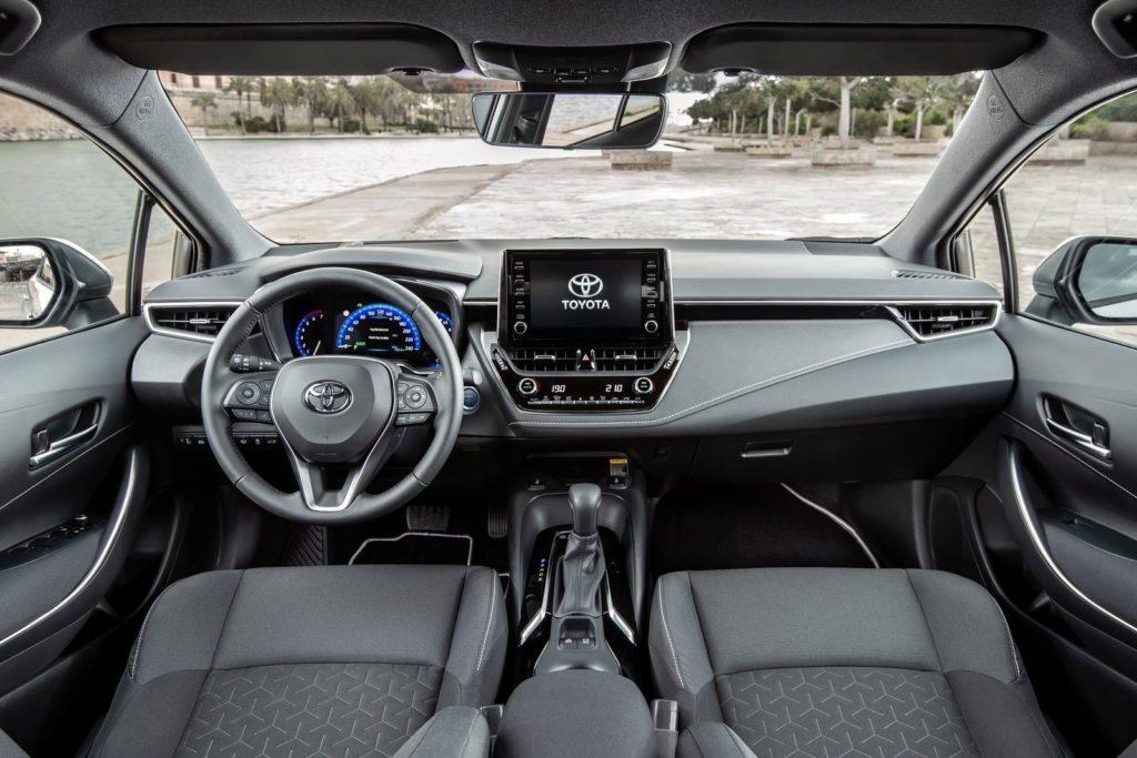 Interior Toyota Corolla Touring Sports 2019