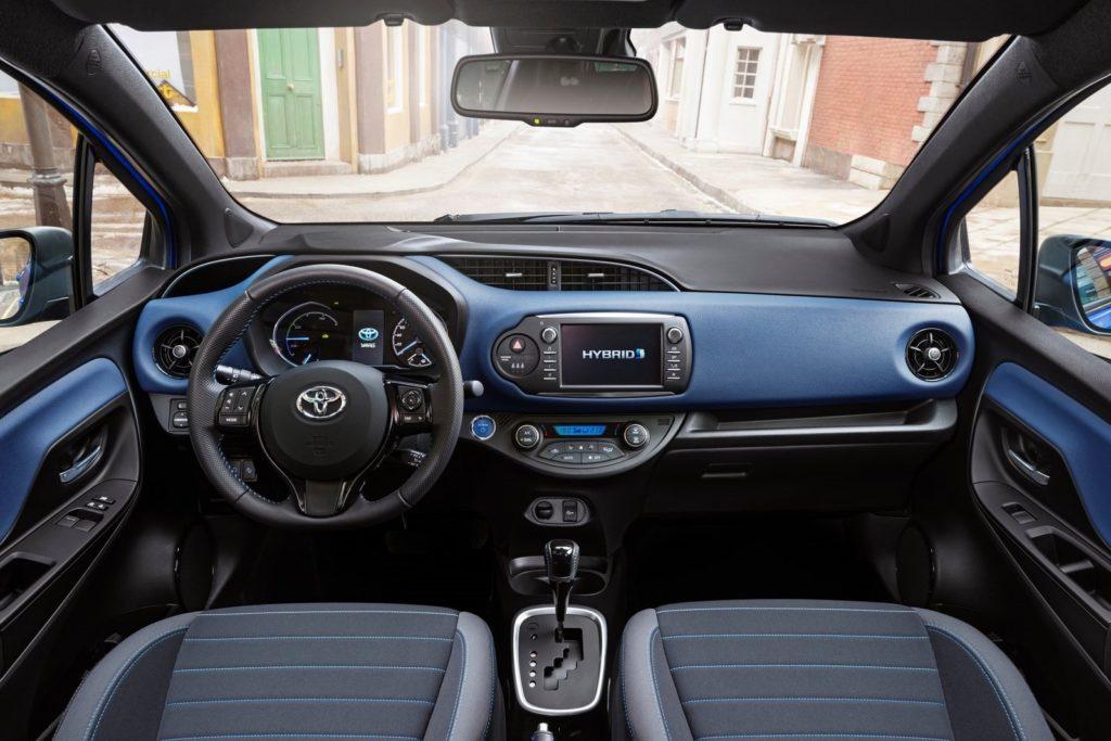 Interior Toyota Yaris 2017