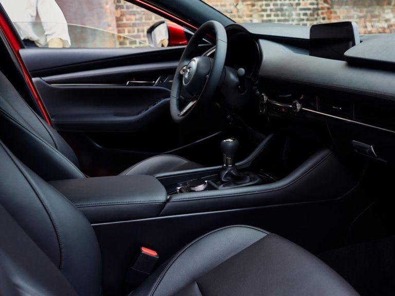 Plazas delanteras Mazda 3 2019