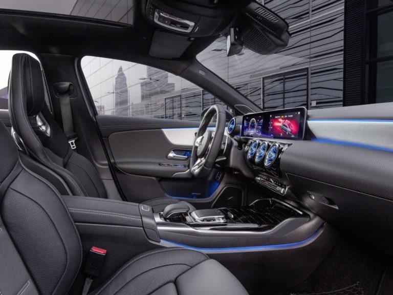 Plazas delanteras Mercedes Clase A sedan 2019