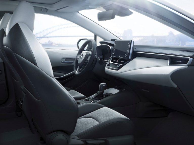 Plazas delanteras Toyota Corolla Touring Sports 2019