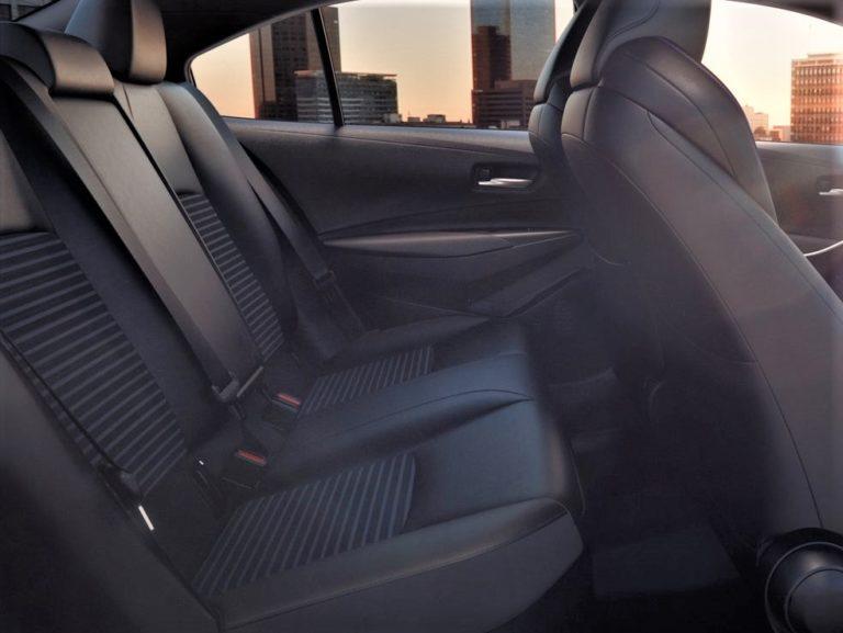 Plazas traseras Toyota Corolla sedan 2019