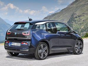 BMW i3 2018 vista lateral trasera