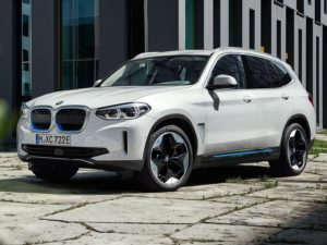 BMW iX3 2020 color blanco frontal lateral