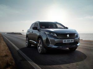 Peugeot 3008 2021 parte frontal de color gris