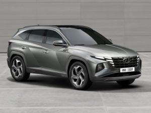 Hyundai Tucson 2021 de color gris con leds